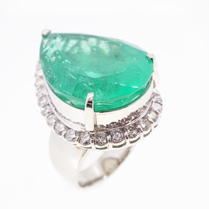 リング 天然エメラルド 28.44 ct ダイヤモンド 1.86 ct Pt900 プラチナ 指輪