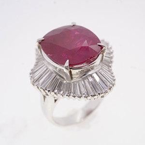 リング 天然ルビー 7.957 ct ダイヤモンド 1.85 ct  Pt900 プラチナ 指輪