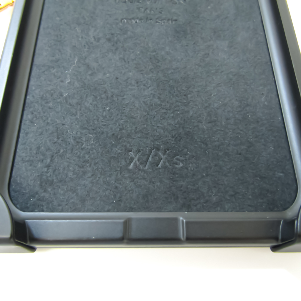 Louis Vuitton Monogram Monogram Phone Bumper Monogram,Noir Eye Trunk PHONE X / XS iPhone Case M62618