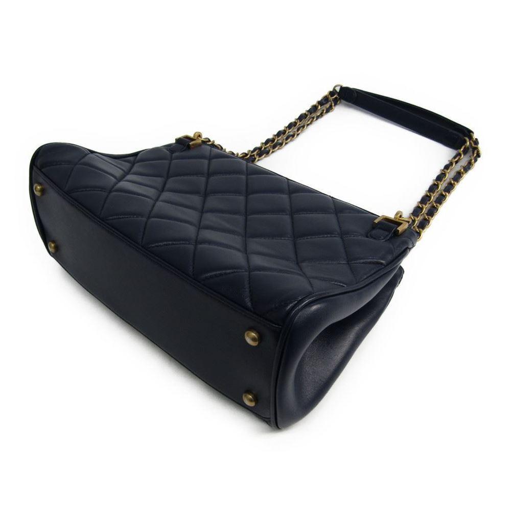 シャネル(Chanel) マトラッセ レザー ショルダーバッグ ネイビー