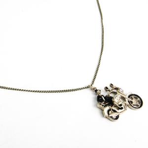 シャネル(Chanel) レディース ペンダントネックレス (ブラック,ゴールド,ホワイト)