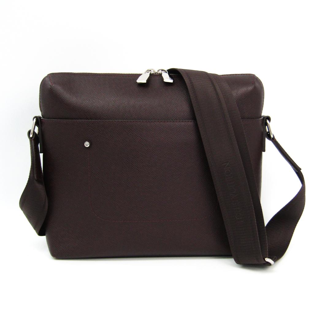 05978756b89c Louis Vuitton Taiga Grigori · Messenger PM M42152 Men s Shoulder Bag A  BF326369