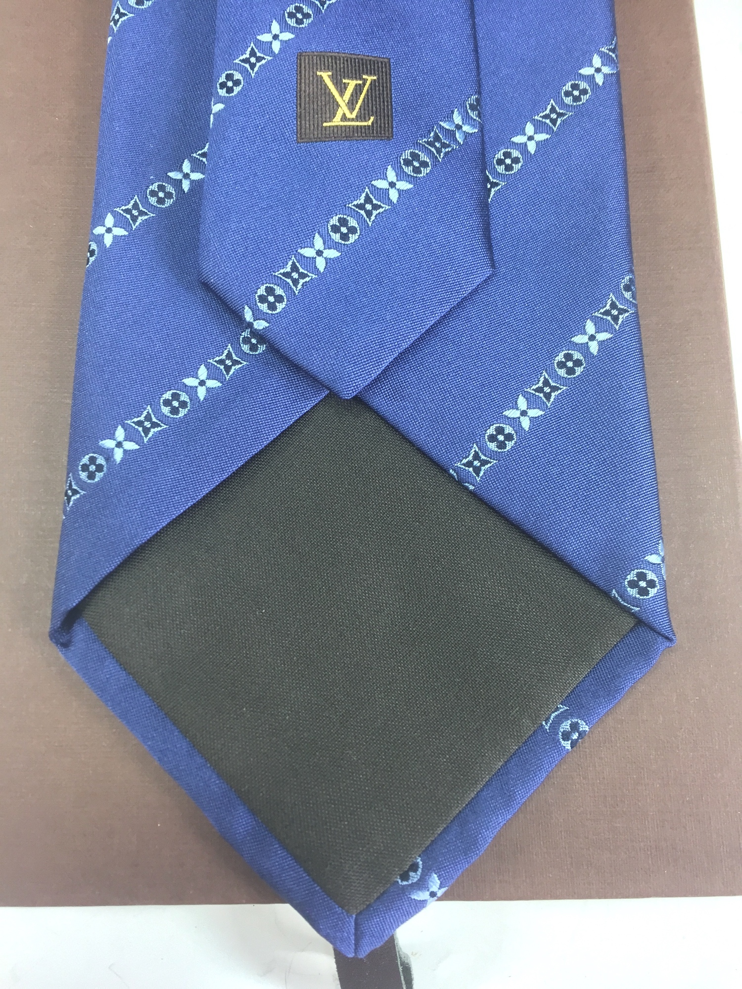 657274f07701 Special price Louis Vuitton Boys,Men Cravat Silk Blue M73007 N-7   eBay