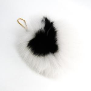 ルイ・ヴィトン(Louis Vuitton) キーホルダー (ブラック,ホワイト) ファジーV M67369
