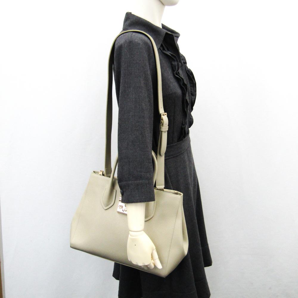 dcc2b4644c50 Furla Metropolis M Tote 908099 Women s Leather Tote Bag Beige