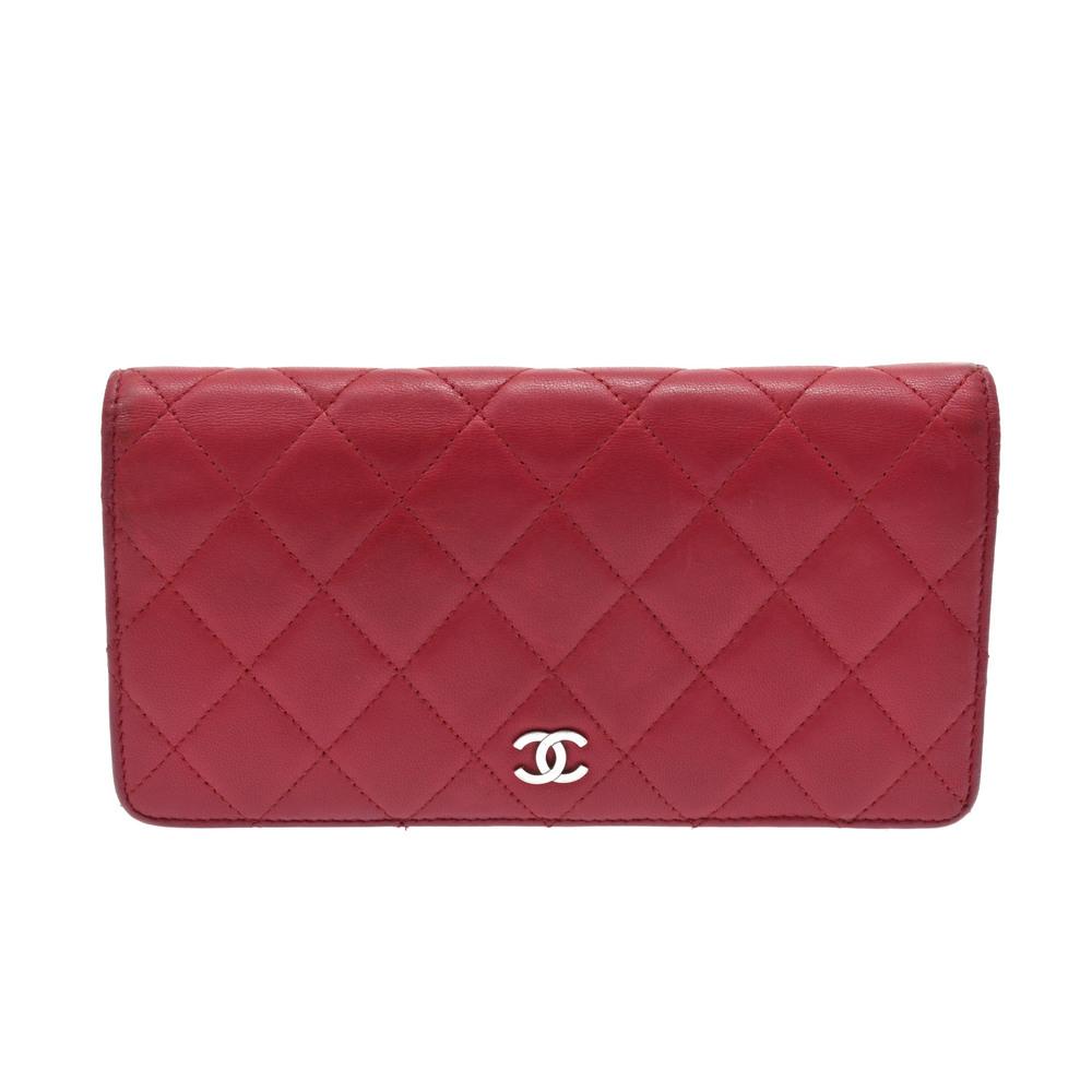 ed5817911031 Chanel Matelasse Lambskin Long Wallet (bi-fold) Red