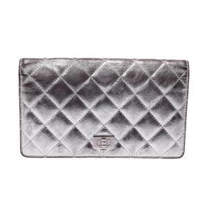 シャネル(Chanel) 2.55  カーフスキン 財布 シルバー