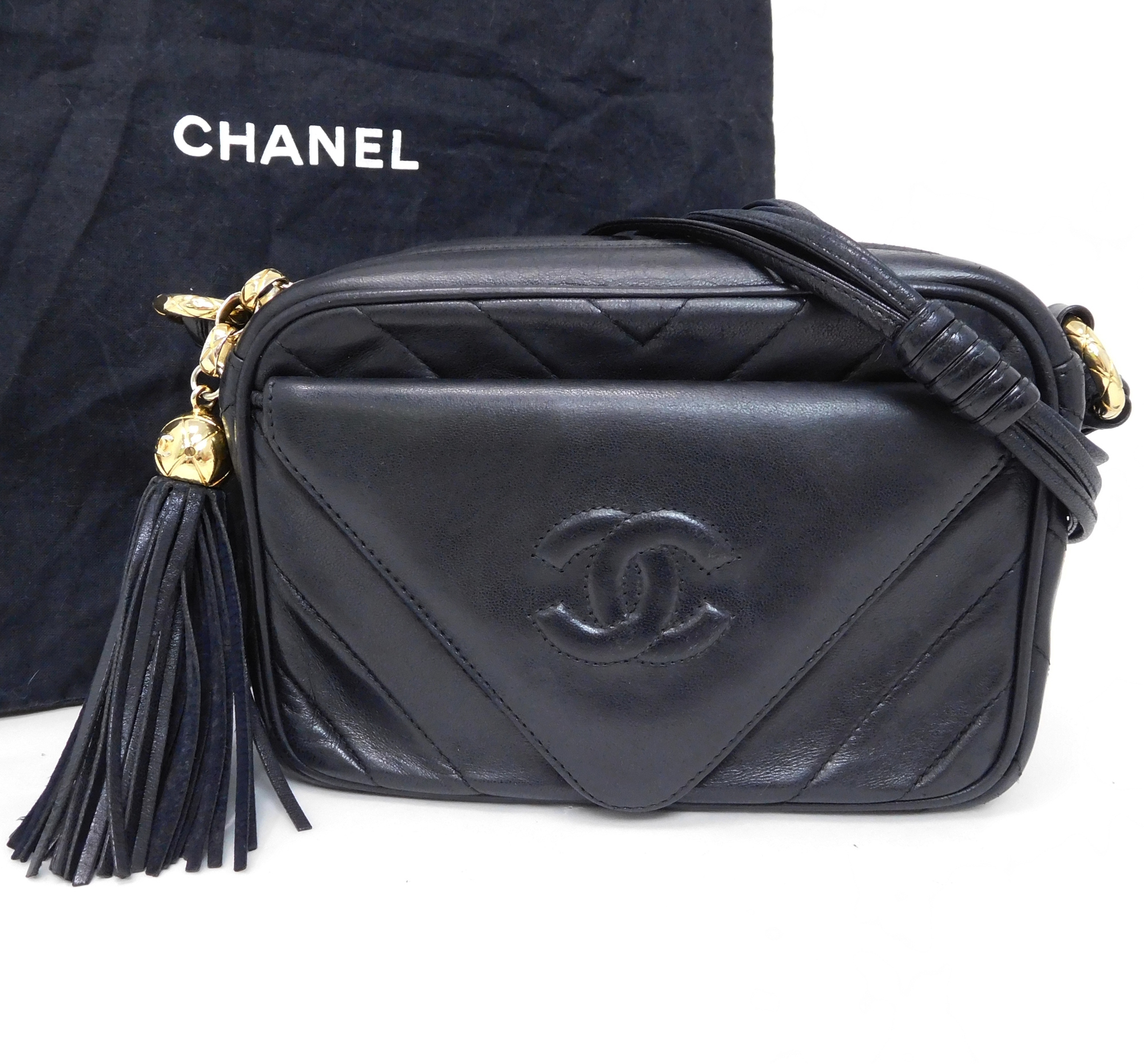 2b8186455a78d6 Auth Chanel Chevron (V Stitch) Coco Mark Fringe Tassel Chevron Shoulder Bag  Wome