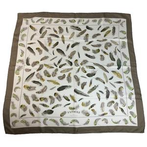 エルメス(Hermes) カレ90 シルクスカーフ HENRI DE LINARES 羽根柄 カーキ