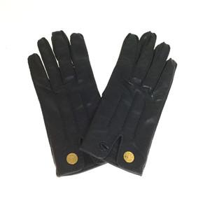 エルメス(Hermes) セリエボタン レザーグローブ サイズ7 手袋 ブラック レザー