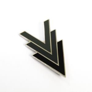 ルイ・ヴィトン(Louis Vuitton) トリプルV M00062 メタル ブローチ ブラック,ダークグレー,カーキ