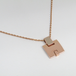 Hermes Eileen Metal Women's Pendant Necklace (Beige,Pink Gold)