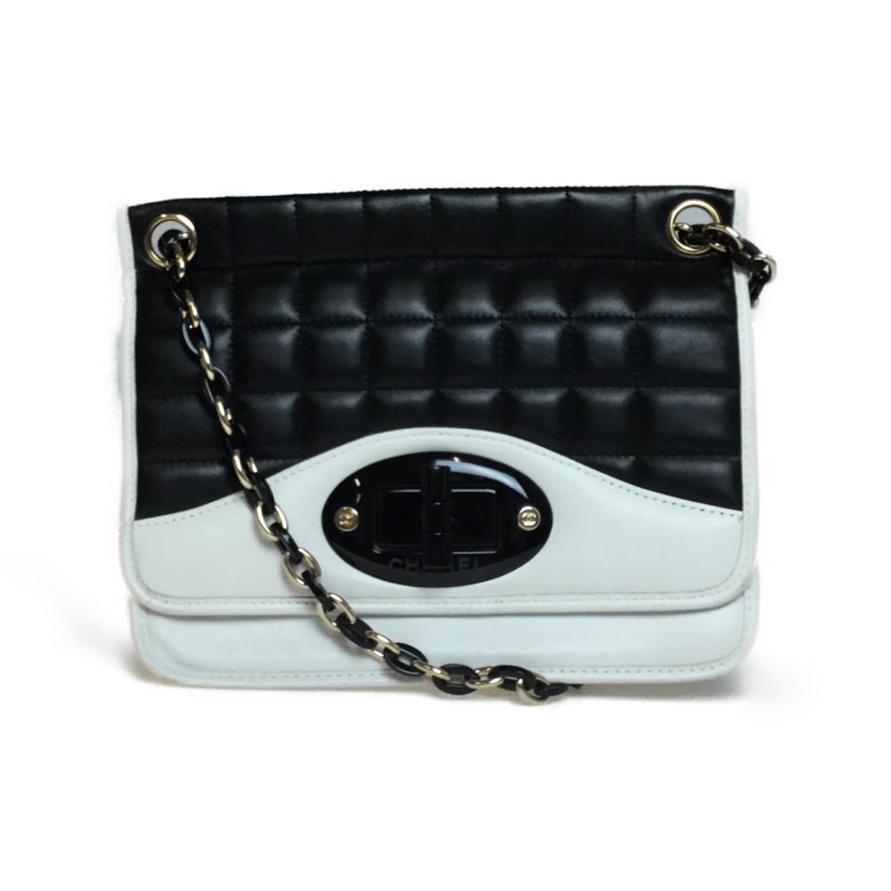 シャネル(Chanel) レザー チョコバー チェーンショルダーバッグ ブラック ホワイト バイカラー