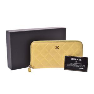 シャネル(Chanel) マトラッセ  ラムスキン 財布 イエロー