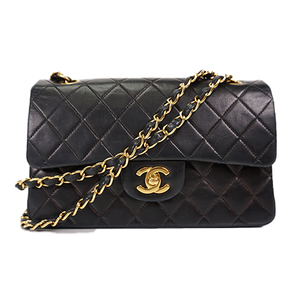 Auth Chanel Matelasse Chain Shoulder W Chain W flap Lumb skin Black Gold
