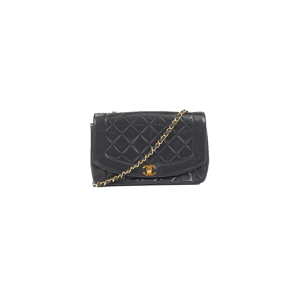 Auth Chanel Matelasse Chain Shoulder Bag Diana Flap Lambskin Black