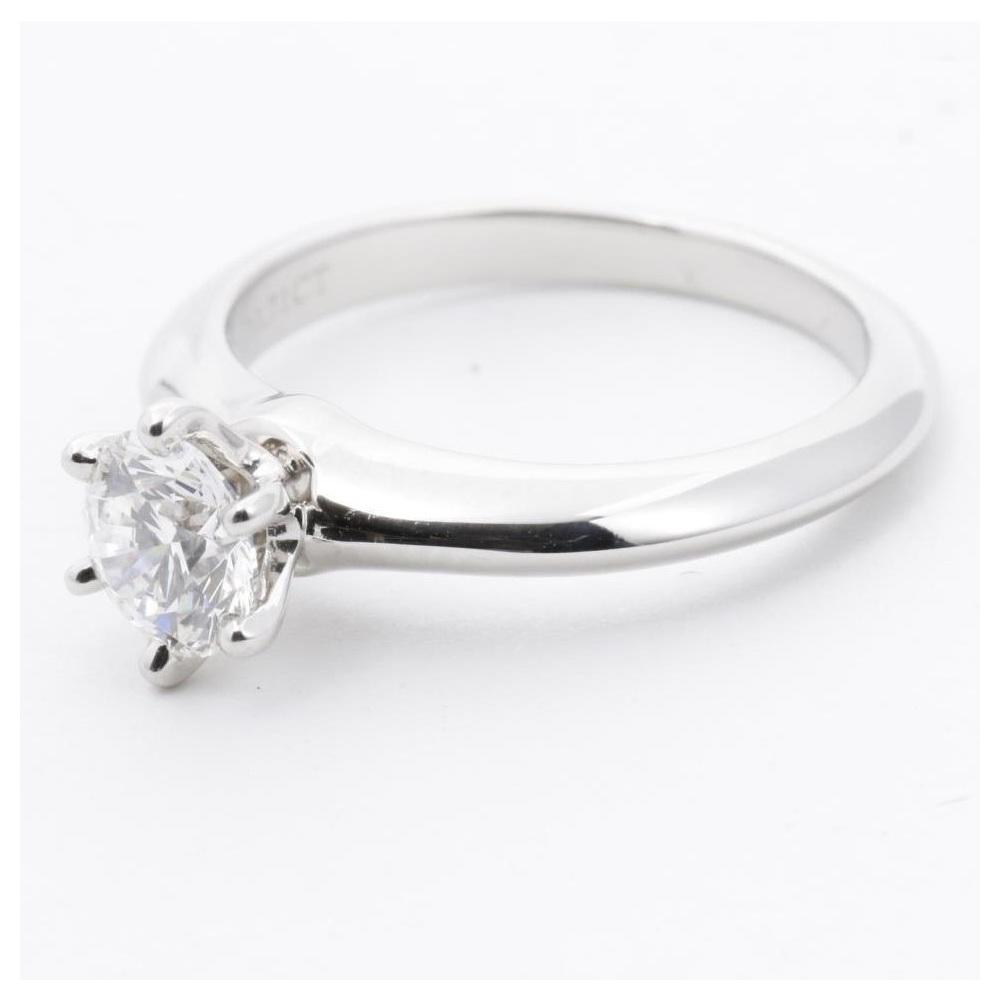 ティファニー (Tiffany) セッティング Pt950(プラチナ) 婚約&結婚式用 ダイヤモンド エンゲージリング カラット/0.71 プラチナ