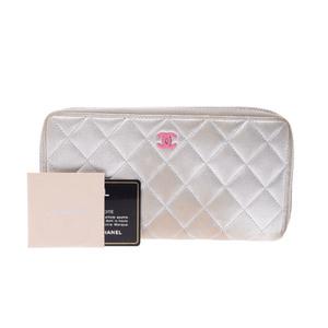 シャネル(Chanel) マトラッセ  カーフスキン 財布 シルバー