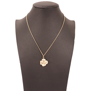 Chanel ネックレス カメリア メッキ Women's Pendant Necklace (Gold)