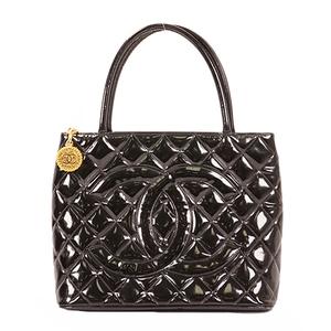 Chanel Medalion Tote Women's Patent Leather Handbag Black