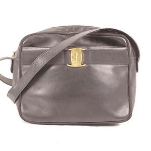 Auth Salvatore Ferragamo Vara Women's Leather Shoulder Bag Black