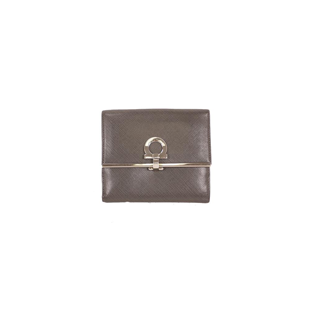 サルバトーレフェラガモ 二つ折り財布 ガンチーニ グレー