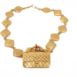 Auth Chanel Matelasse Vintage Matrasse Bag Motif Plated Gold Color