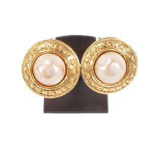 Auth Chanel Earrings Fake Pearl Plated Gold Color Earrings Gold