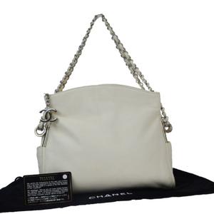 シャネル(Chanel) ココマーク チェーン レザー ショルダーバッグ ホワイト