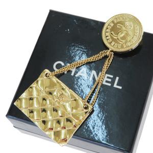 シャネル(Chanel) マトラッセ メダリオン メタル ブローチ ゴールド
