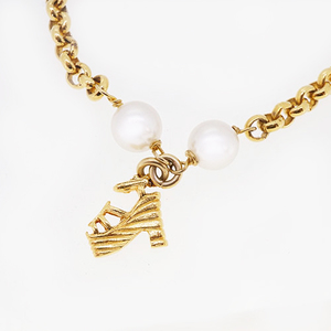 Salvatore Ferragamo Necklace Sandals Charm GP Plated Artificial pearl Gold Color Chain Necklace