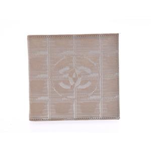 シャネル(Chanel) シャネル ニュートラベルライン 二ツ折財布 ベージュ レディース メンズ ナイロン Bランク CHANEL 箱 ギャラ 中古 銀蔵