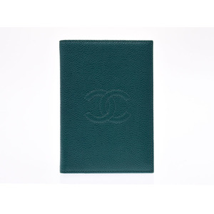 Chanel Passport Cover Emerald Green Ladies Caviar Skin A Rank Beauty Items CHANEL Galler Used Ginza