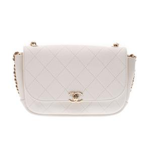 シャネル(Chanel) シャネル マトラッセ チェーンショルダーバッグ 白 G金具 レディース レザー 新同 美品 CHANEL ギャラ 中古 銀蔵