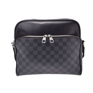 Louis Vuitton Graphite Dayton PM Black N41408 Men's Genuine Leather Shoulder Bag AB Rank LOUIS VUITTON Used Ginzo