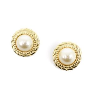 Chanel CHANEL French faux pearl round earrings gold / women's accessories