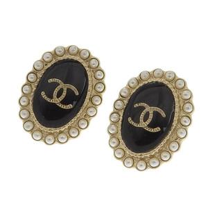 シャネル(Chanel) CHANEL シャネル CHANEL ココマーク エンブレム パール ピアス ブラック ゴールド A17 C