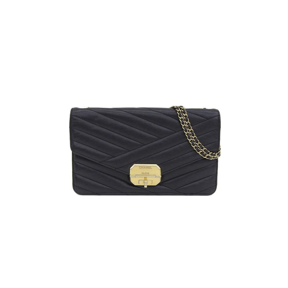 6ebe76fb Genuine CHANEL Chanel lamb chain shoulder bag black gold hardware 17 stand  leather | eLady.com