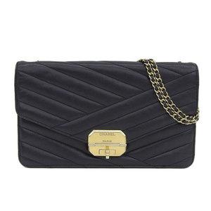 Genuine CHANEL Chanel lamb chain shoulder bag black gold hardware 17 stand leather