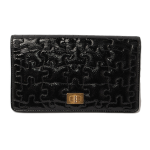 Chanel wallet CHANEL COCO'S puzzle patent leather quilted black A38188