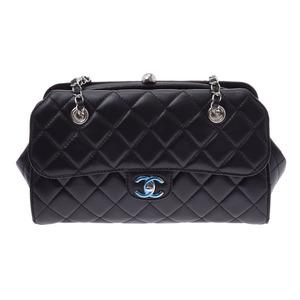 シャネル(Chanel) シャネル マトラッセ ボーリングバッグ 黒 SV金具 レディース ラムスキン ショルダーバッグ Aランク 美品 CHANEL 中古 銀蔵