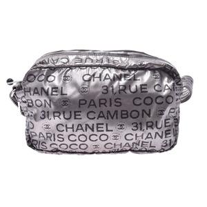シャネル(Chanel) シャネル アンリミテッド ショルダーバッグ シルバー レディース ナイロン Bランク CHANEL 中古 銀蔵