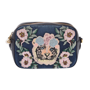 Gucci shoulder bag blue / black Tiger applique ladies denim leather