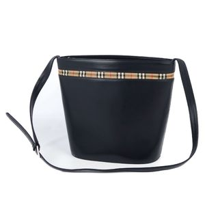 Burberry BURBERRY Women's Back Horse Ferry Check Shoulder Bag Leather 鞄 Black