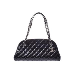 シャネル(Chanel) シャネル マトラッセ ボウリングバッグ 黒 SV金具 レディース エナメル ハンドバッグ Aランク 美品 CHANEL 中古 銀蔵