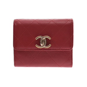 CHANEL Small flap wallet Red Ladies calf tri-fold