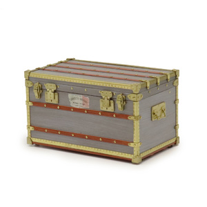 Louis Vuitton Paper Weight Lafayette Trunk of Geno Novelty Gold M99455