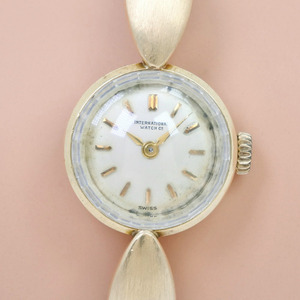 IWC International Watch Company cal.431 K18 yellow gold hand-wound ladies silver dial watch