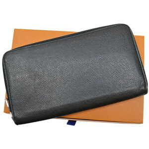 Louis Vuitton Long Wallet Taiga Zippy Organizer Noir Leather Round Zipper Men's M30056