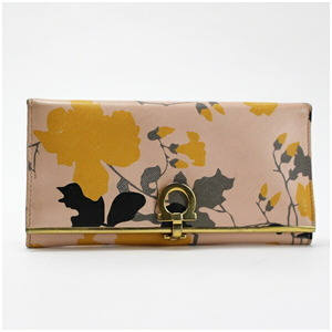 Salvatore Ferragamo Ferragamo Gancini Bi-Fold Wallet Gold Hardware Leather Pink 22 C495